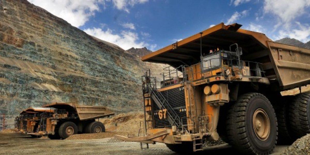 Inversión en exploración minera cae cerca de la mitad a 2015
