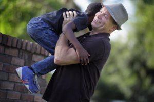 Algunos de los criterios para ser un buen padre adoptivo son: Foto:Getty Images. Imagen Por: