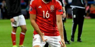Suspendió su boda por la sorpresiva semifinal de Gales en la Euro