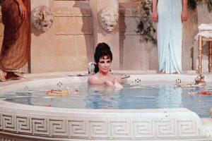 Cleopatra, acorde a la interpretación de Elizabeth Taylor: 1,50 centímetros Foto:Getty. Imagen Por: