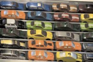 Se usan aproximadamente mil 100 autos en total. Foto:Chris Burden. Imagen Por:
