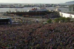 Los islandeses colmaron las calles para recibir a sus ídolo Foto:Captura de pantalla. Imagen Por: