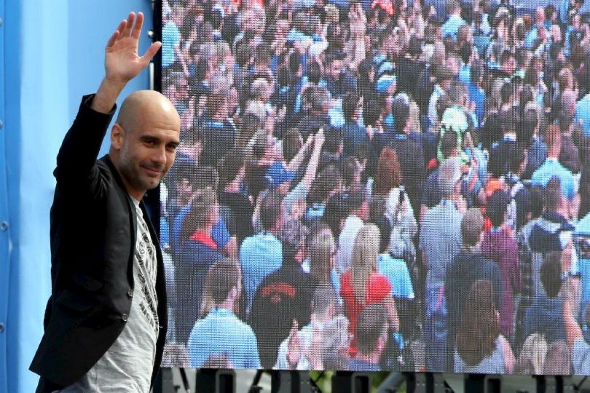 """Josep Guardiola concedió su primera entrevista como DT del Manchester City a Noel Gallagher, exvocalista de """"Oasis"""" Foto:Getty Images. Imagen Por:"""