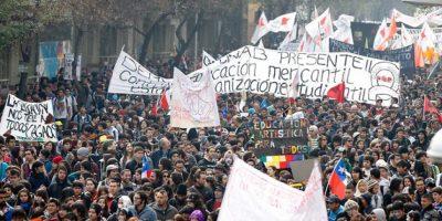 Adimark: Rechazo al movimiento estudiantil aumentó 17% desde el 2011