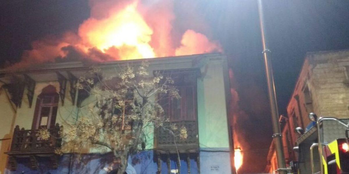 Incendio afectó edificio en zona patrimonial del Barrio Yungay