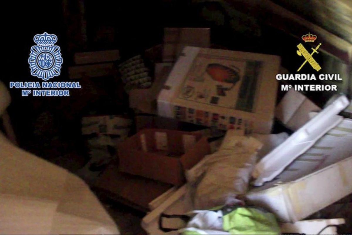 Habitaba un cuarto en la casa de su padre, donde se acumulaba la basura Foto:Policia Nacional de España. Imagen Por: