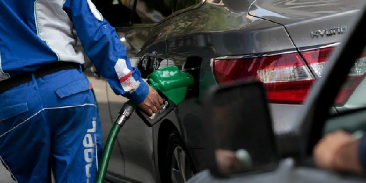 Este jueves vuelve a caer precio de las bencinas