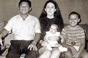 Sus padres se divorciaron cuando él tenía dos años Foto:Facebook: Barack Obama. Imagen Por: