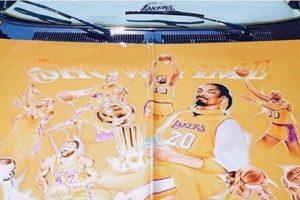 El auto tiene a leyendas de Los Angeles Lakers Foto:Instagram Snoop Dogg. Imagen Por: