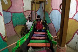 Y les permite alejarse unos instantes de su realidad Foto:AFP. Imagen Por: