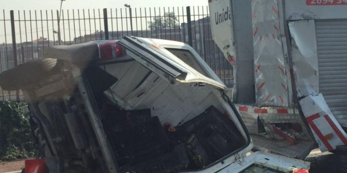 Al menos dos víctimas fatales dejó accidente en autopista Vespucio Sur