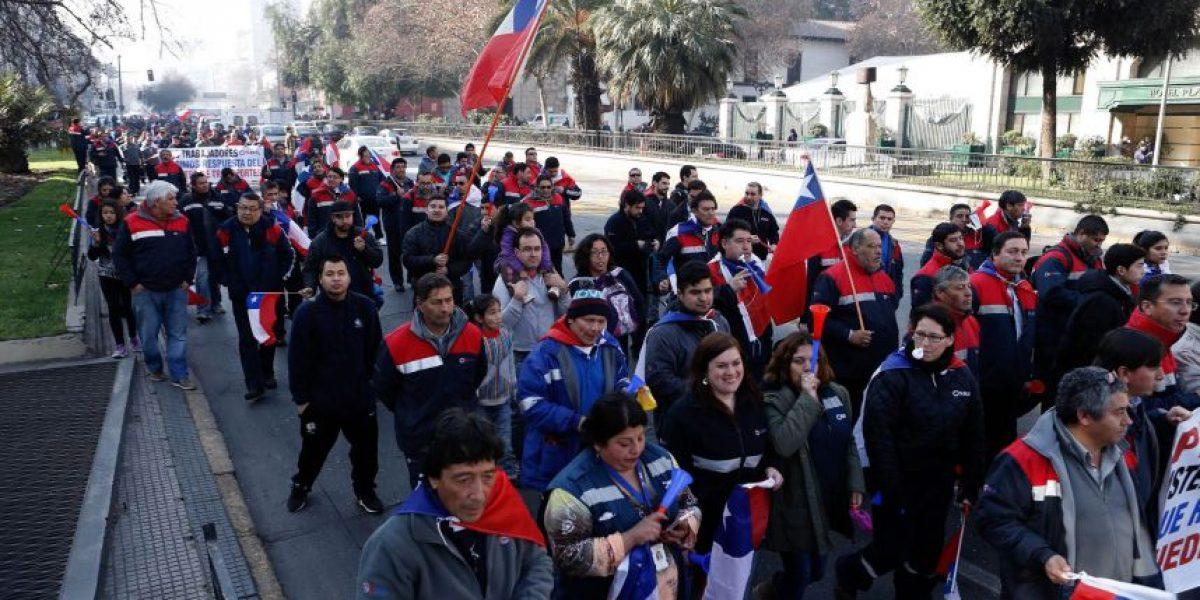 Conductores del Transantiago se movilizan por Santiago ante inestabilidad laboral