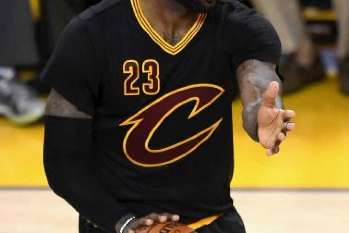 LeBron James. En 2010 dejó Cleveland para ir a Miami, pero regresó para darles su único título Foto:Getty Images. Imagen Por: