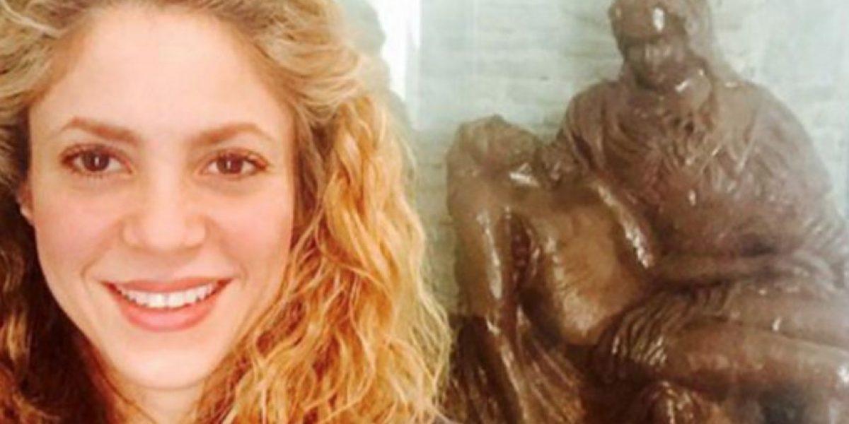 Video: Piqué se burla de Shakira al tratar de hacerse un selfie