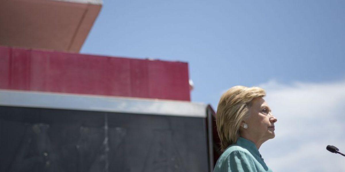 El Departamento de Estado seguirá investigando a Hillary Clinton por e-mails