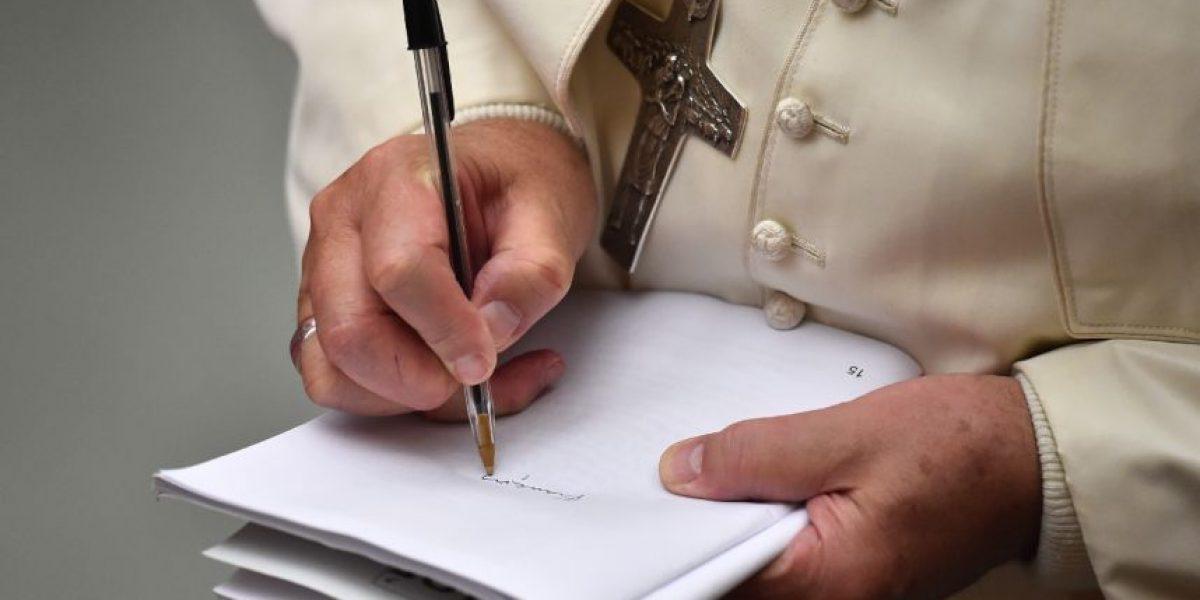 Francisco emite normativa que aboga por mayor transparencia del vaticano en relación a sus