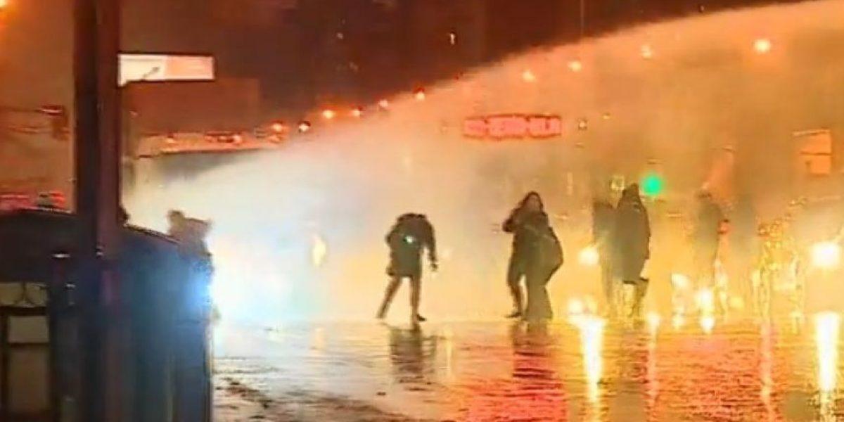 Carabineros disolvió manifestación de pobladores en La Alameda
