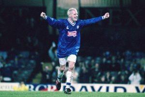 1997: Se transformaría en una de las grandes figuras y sumaría dos Premier League y una Copa de Escocia Foto:Getty Images. Imagen Por: