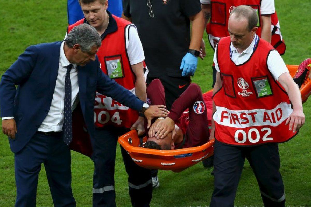 Lesión que lo obligó a ser retirado en camilla de la cancha en la final ante Francia Foto:Getty Images. Imagen Por: