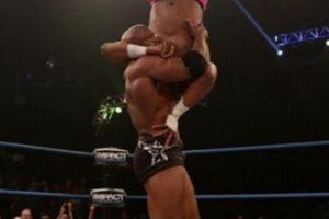 Bobby Lashley. Ha participado en empresas de lucha como WWE, TNA y AAA Foto:WWE. Imagen Por:
