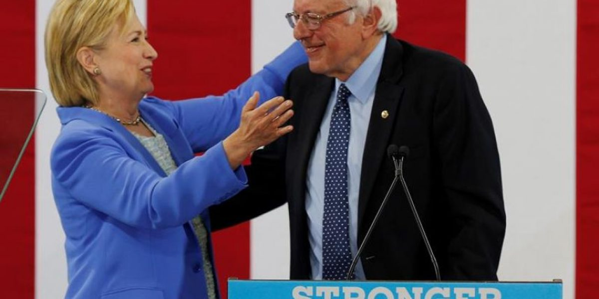 Sanders da su respaldo oficial a Clinton tras más de un mes de resistencia