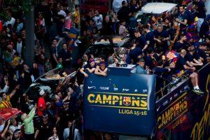 La misma fecha que la Serie A comenzará la Liga de España. Barcelona lucirá el escudo de campeón Foto:Getty Images. Imagen Por: