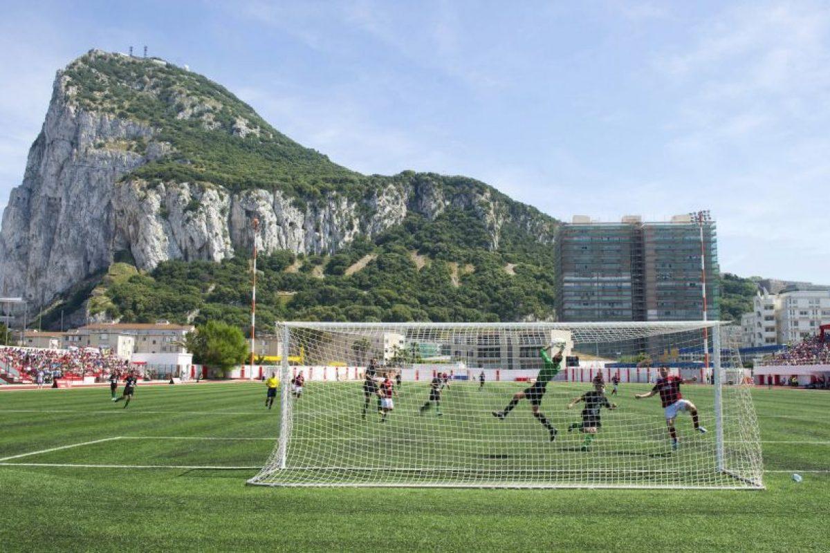 El Victoria Stadium es el recinto que ocupan todos los equipos de Gibraltar Foto:AFP. Imagen Por: