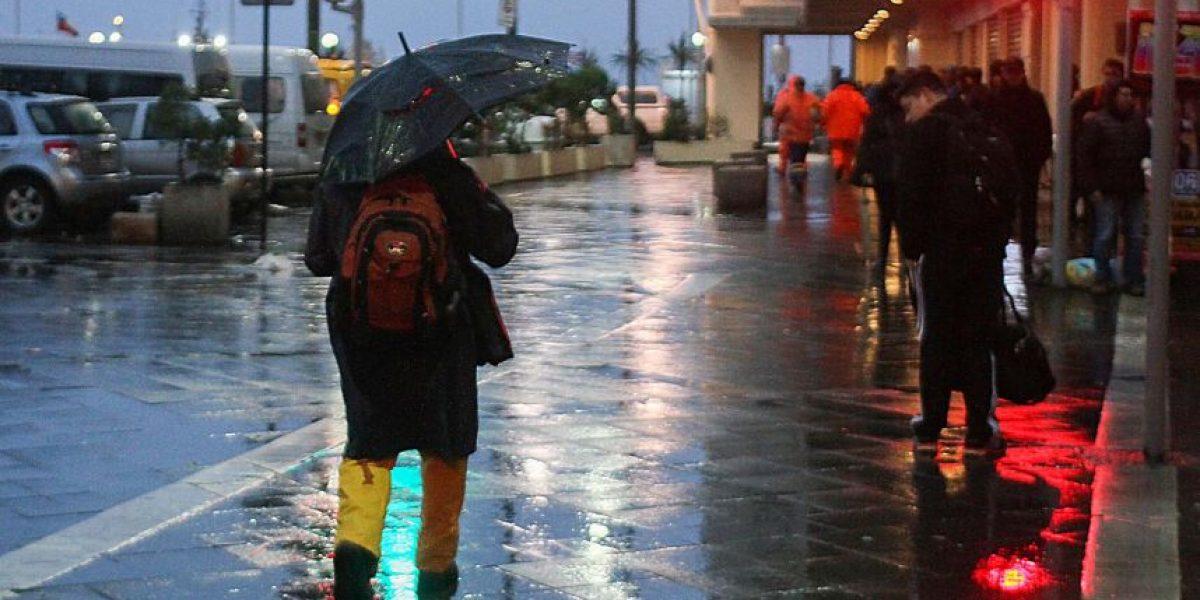 Vientos de hasta 100 km/hora y marejadas golpean a Valparaíso y Viña del Mar