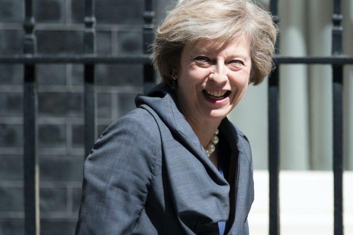 Reputada por su temperamento combativo y su carácter trabajador, Theresa May, hereda un Reino Unido zombi, en el que reina la incertidumbre sobre su futuro. Foto:Afp. Imagen Por: