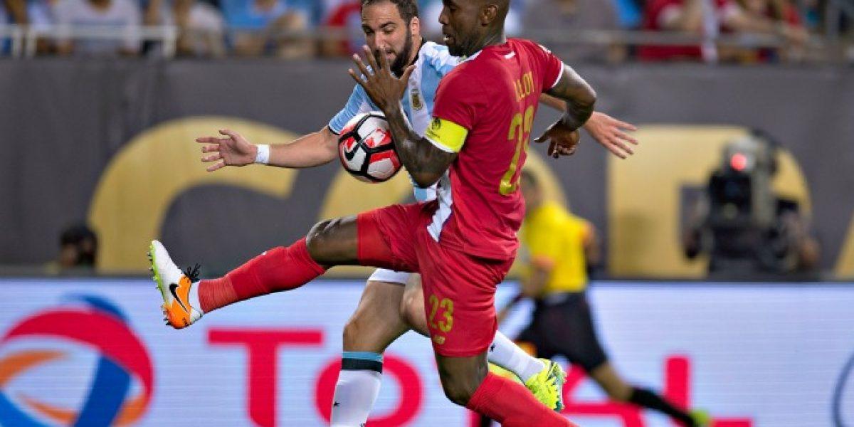 No viene a Chile: Experimentado jugador panameño fichó en equipo colombiano