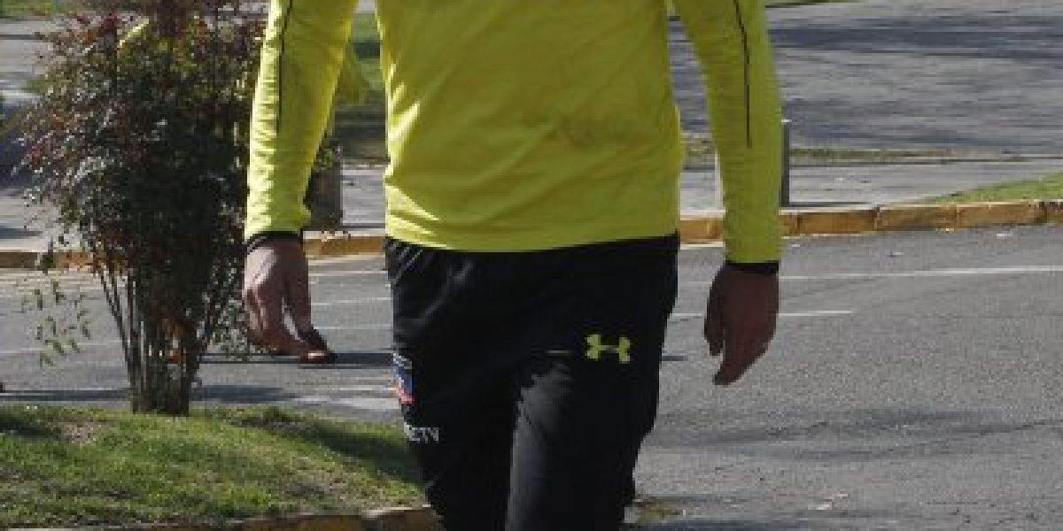 Esteban Paredes se desmarca del plantel y sale en defensa de la gestión de Aníbal Mosa