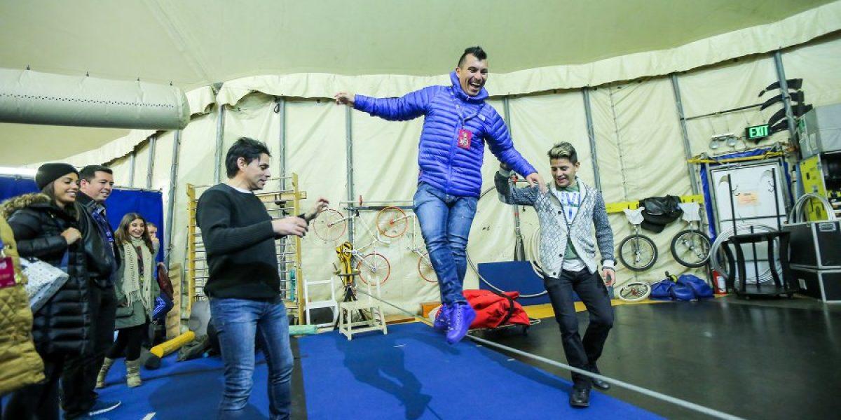 Gary Medel revolucionó la última función del Cirque du Soleil