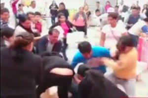 El incidente ocurrió en una galería de venta de calzado en Lima. Foto:Reproducción Youtube/24 Horas. Imagen Por: