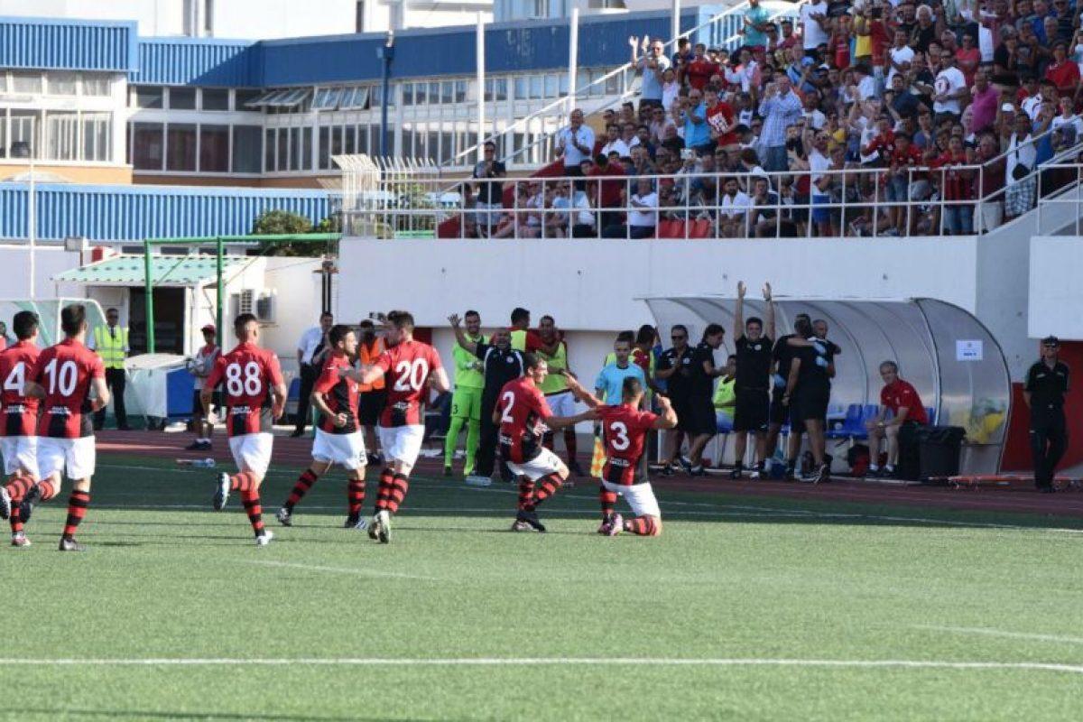 Los gibraltareños han ganado en 14 ocasiones seguidas el título de su liga Foto:footballgibraltar.com. Imagen Por: