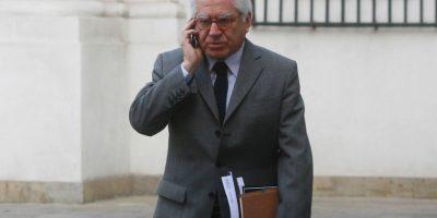 Gobierno se abre a revisar dependencia de Gendarmería tras crisis: