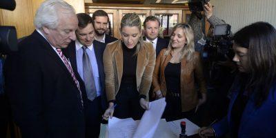 Crisis en Gendarmería y el Sename: Chile Vamos interpelará a la ministra Blanco