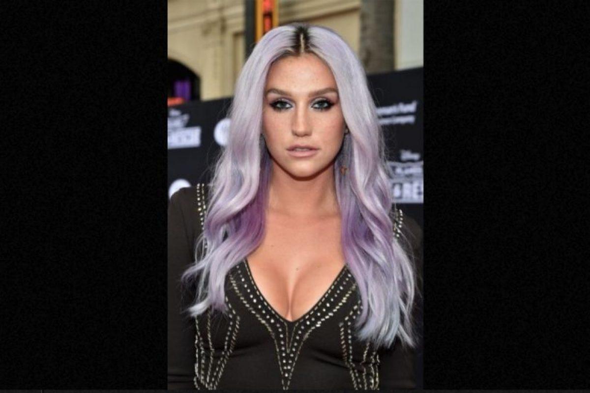 """Kesha dijo que tenía """"muertos en su interior"""" por lo que tuvo que someterse a una hipnoterapia para exorcizar su cuerpo Foto:Getty Images. Imagen Por:"""