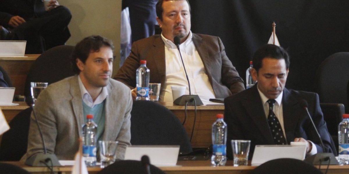 Dirigentes amenazan con jugar con juveniles ante inminente paro del fútbol chileno