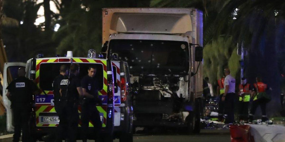 Horror en Francia: atentado en Niza deja al menos 80 muertos