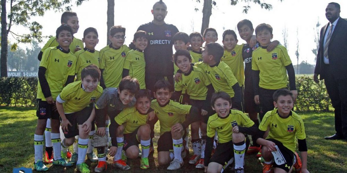 Arturo Vidal cumplió con su promesa y entrenó en el Monumental con el plantel de Colo Colo