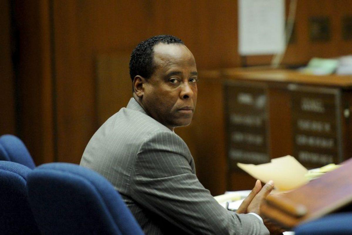 El Dr. Conrad Murray pasó dos años en prisión por homicidio involuntario contra Michael Jackson, quien perdió la vida en 2009, tras una sobredosis de anestésicos. Foto:Getty Images. Imagen Por: