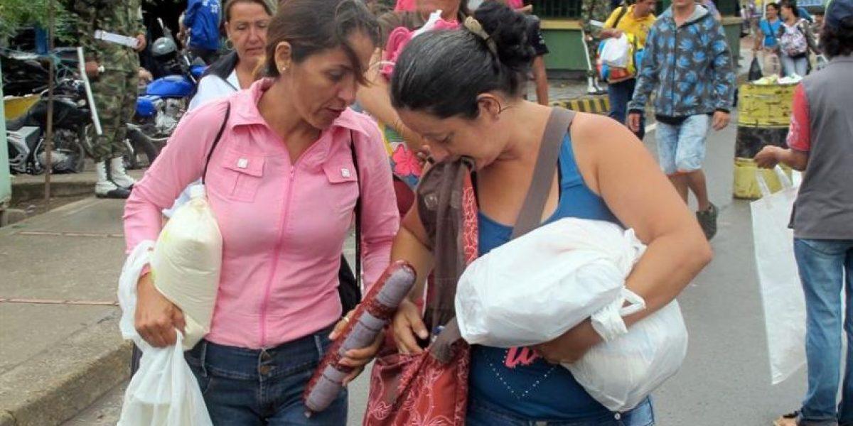 Miles de venezolanos vuelven a cruzar a Colombia en busca de alimentos y medicinas