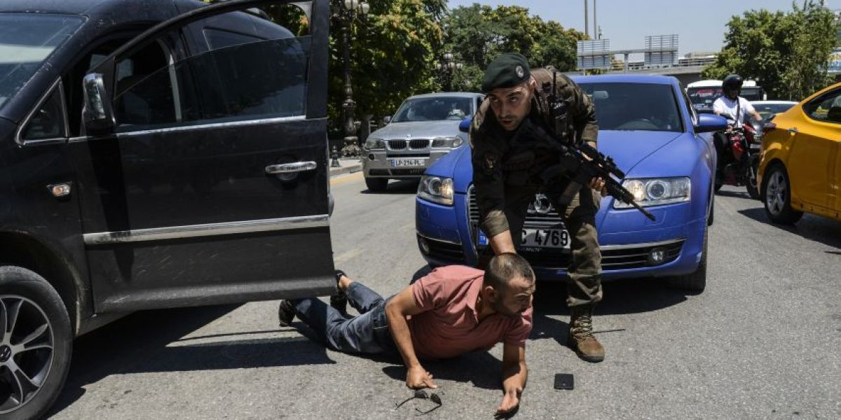 Turquía ha detenido a más de 7.500 personas tras intento de golpe de estado