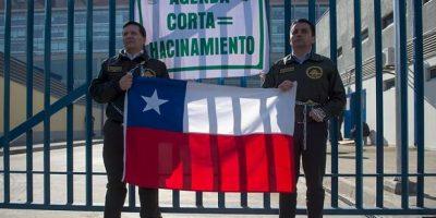 Crisis en Gendamería: 90% de adhesión al paro, con tomas y encadenamientos en cárceles