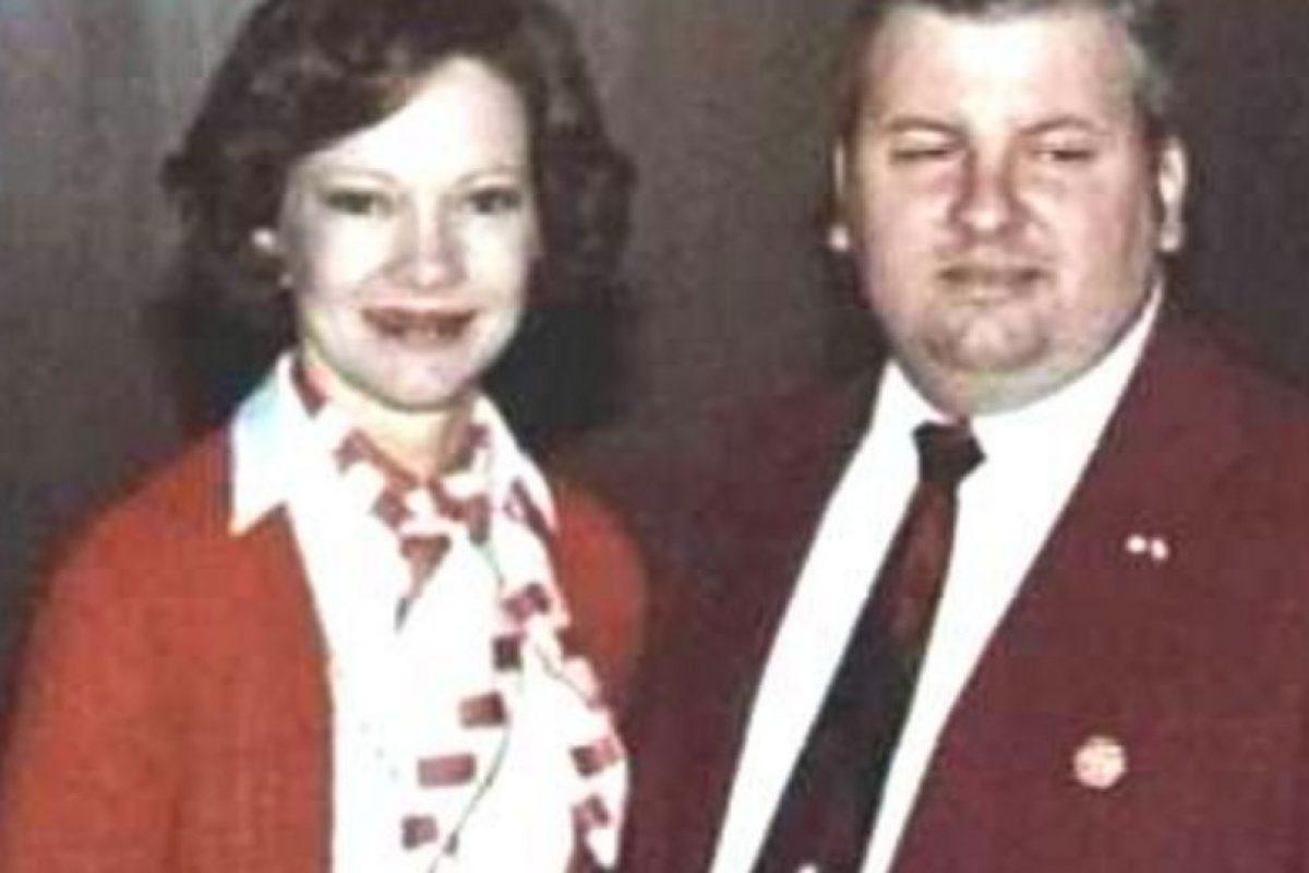 """""""Pogo"""", cuando era un miembro respetable de la comunidad. Acá con la Primera Dama de entonces. Foto:Wikipedia. Imagen Por:"""