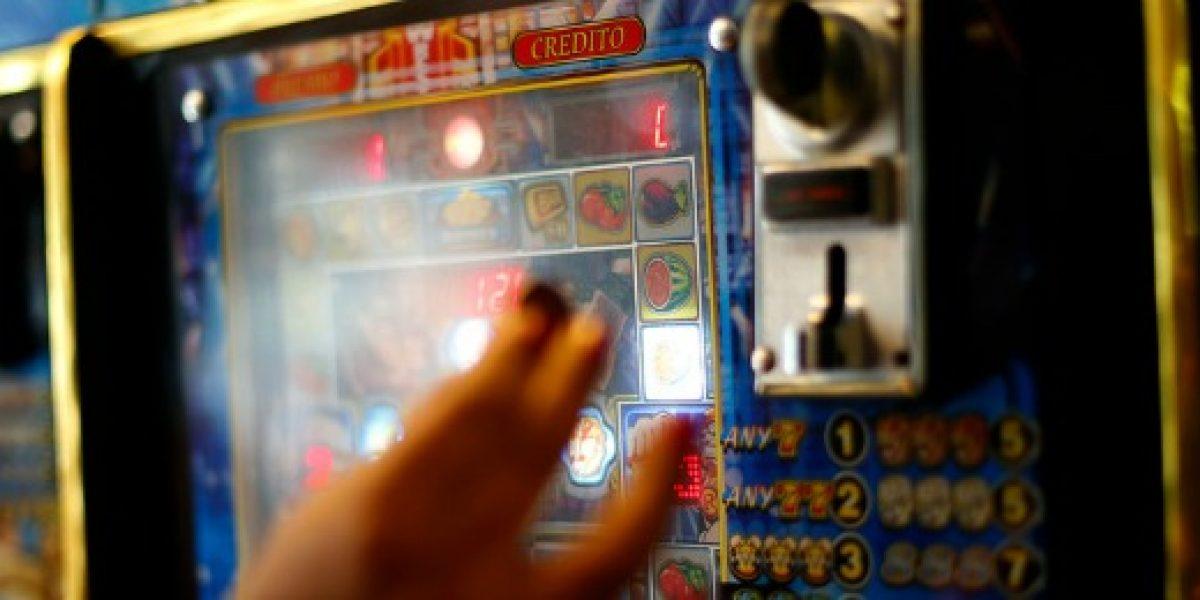 Super de Casinos revela que más de 33 mil máquinas de juego operan de manera ilegal en Chile