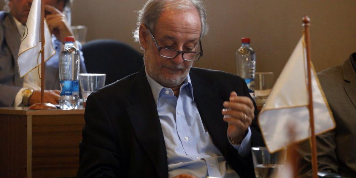 Luis Larrain contra el Sifup: