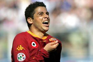 El lateral brasileño tuvo destacados pasos por Roma o Real Madrid, entre otros clubes Foto:Getty Images. Imagen Por: