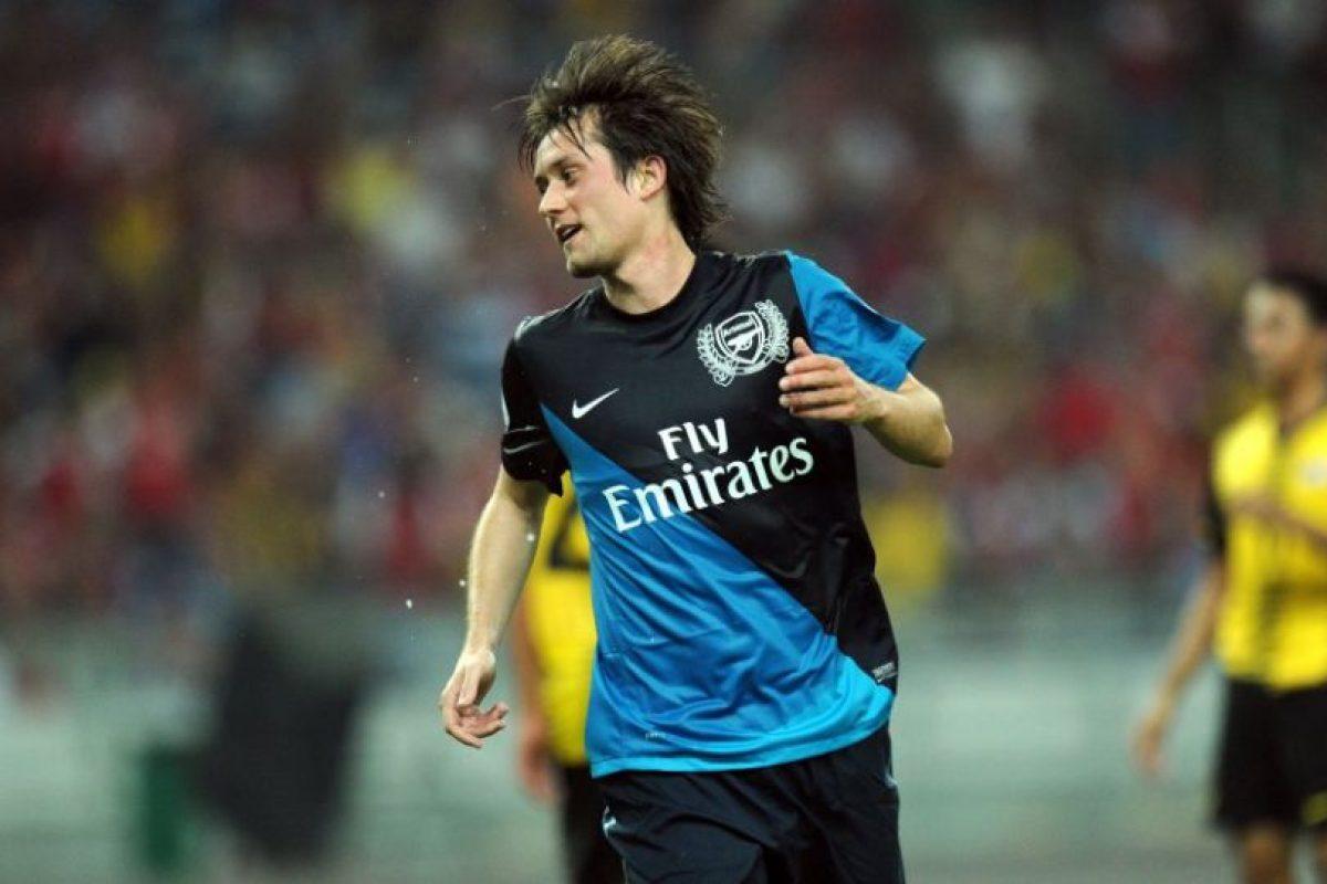 Tomas Rosicky: Luego de diez temporadas en Arsenal, no renovó contrato con los ingleses y ahora busca club. el talentoso volante checo, estuvo las últimas 10 temproadas en el Arsenal. Jugó la Euro 2016 con República Checa y fue el capitán Foto:AFP. Imagen Por: