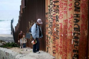 Una de las propuestas principales de Donald Trump es construir un muro a lo largo de la frontera entre México y Estados Unidos.. Imagen Por: